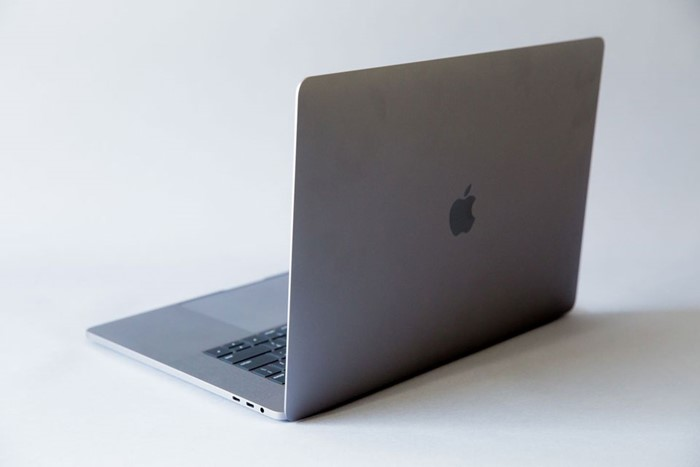 Apple to launch 16-inch MacBook Pro